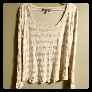 💥3/$25💥Jennifer Lopez long sleeve shirt